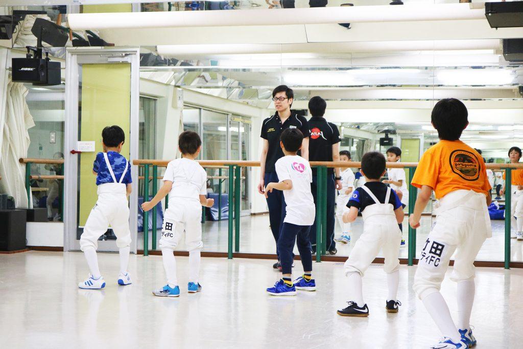 フェンシング 子供達 指導