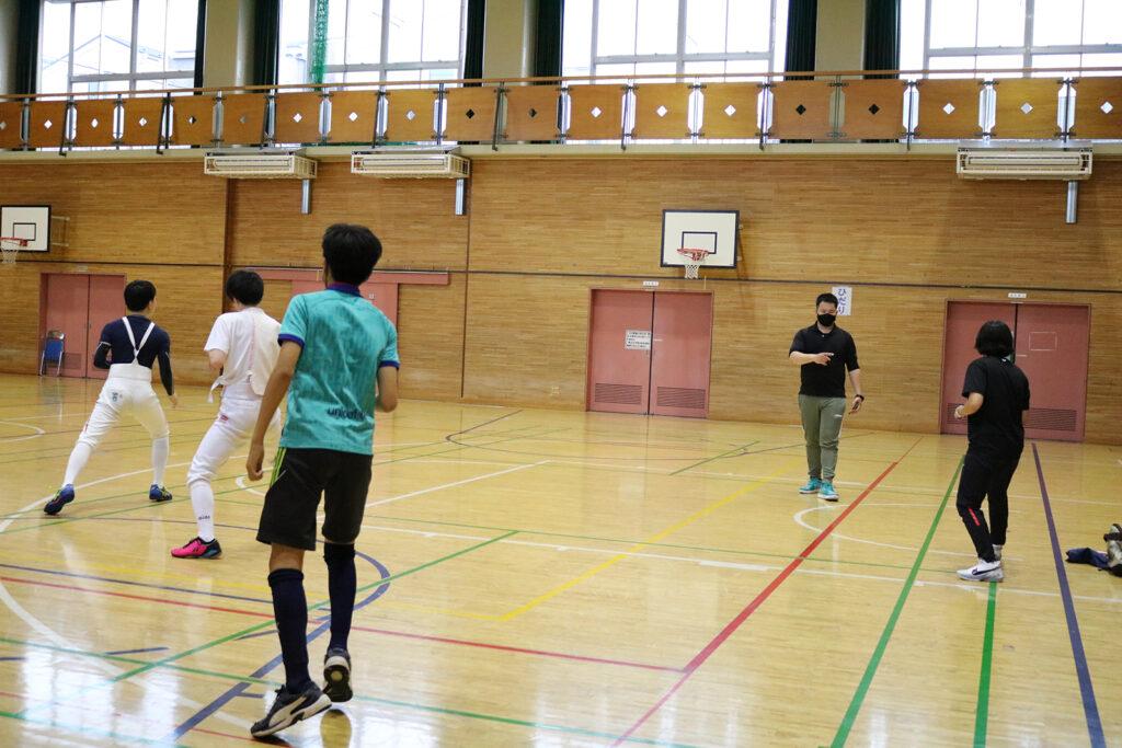墨田フェンシングクラブ 練習風景 フットワーク